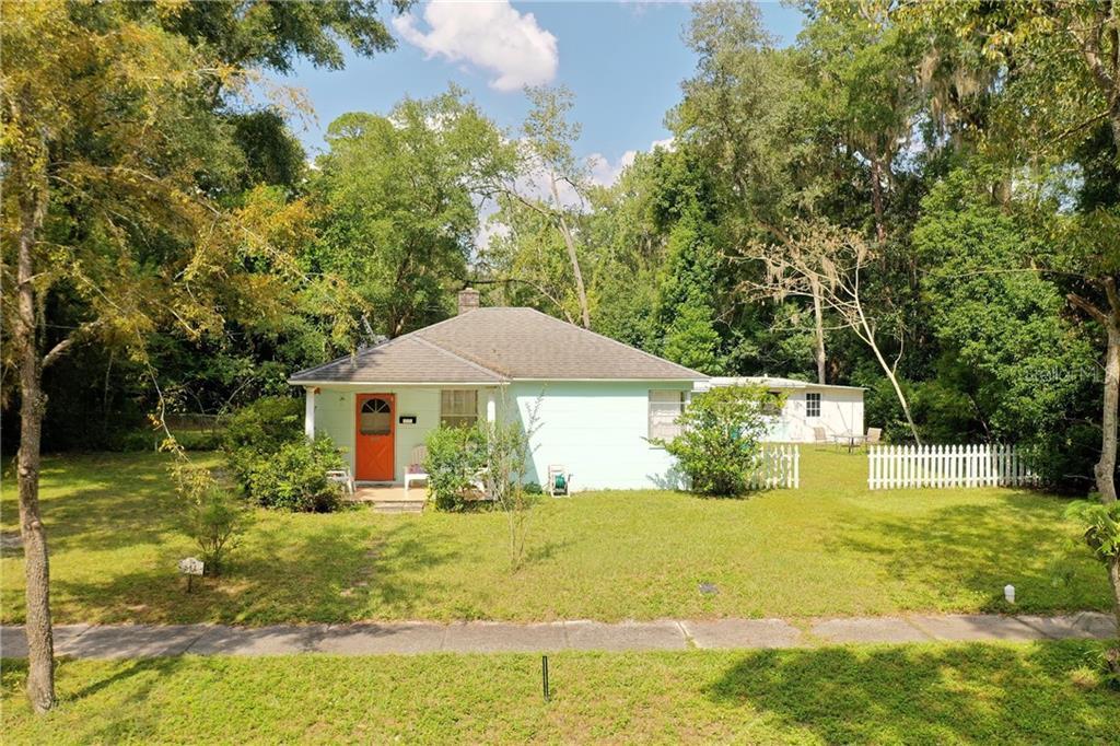 814 NE 11TH AVENUE Property Photo - GAINESVILLE, FL real estate listing