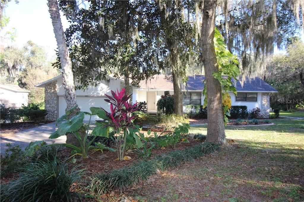 14355 SE 144TH PLACE Property Photo - WEIRSDALE, FL real estate listing