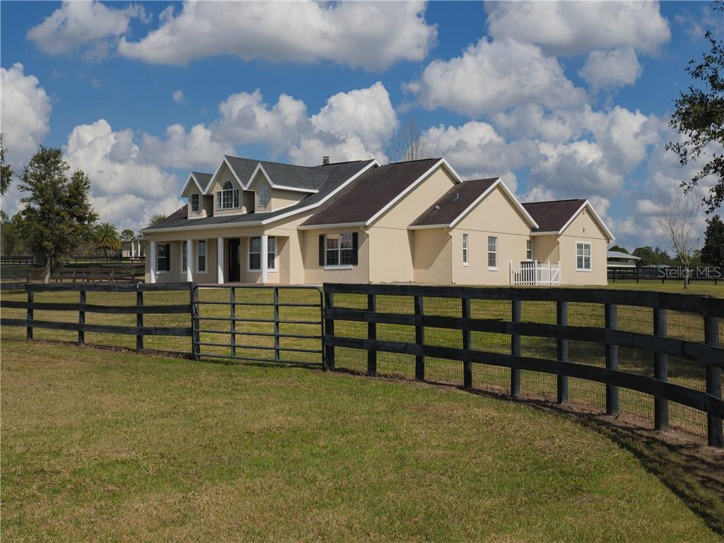 7335 Nw Highway 225 Property Photo