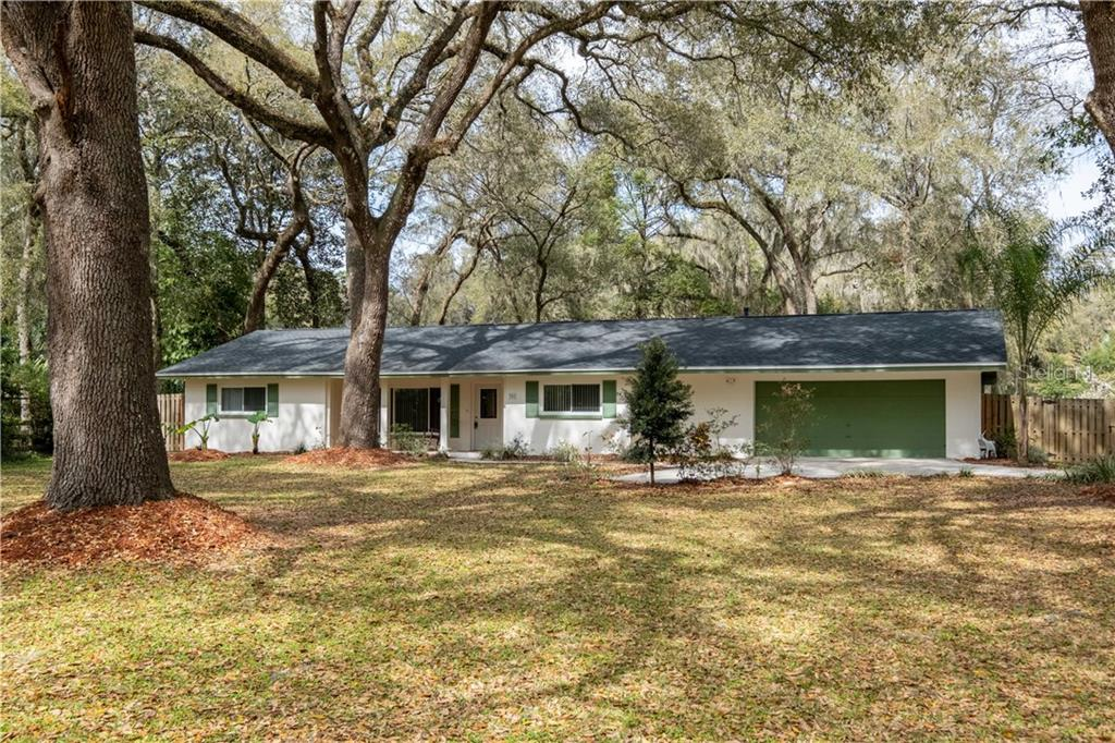 352 NW 2ND AVENUE Property Photo - MICANOPY, FL real estate listing