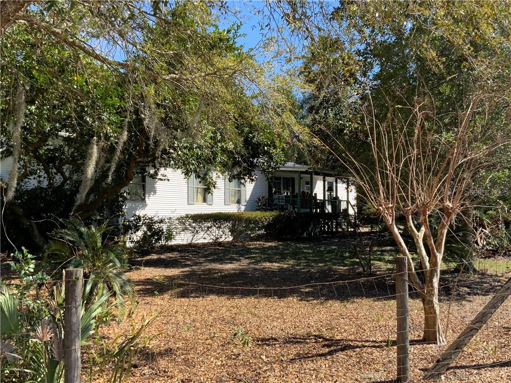 19300 TWIN POND ROAD Property Photo - UMATILLA, FL real estate listing