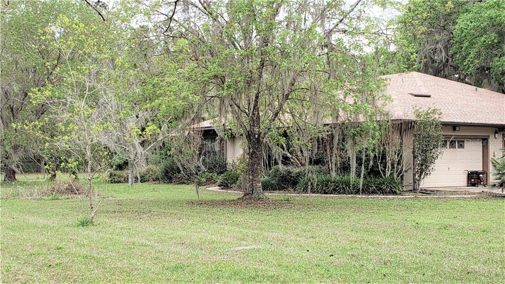 215 SW 179TH AVENUE Property Photo - MICANOPY, FL real estate listing