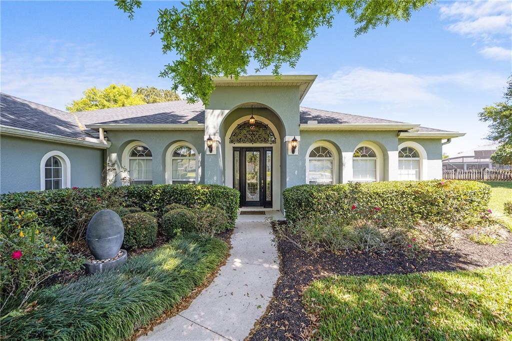 13956 WELLINGTON LANE Property Photo - GRAND ISLAND, FL real estate listing