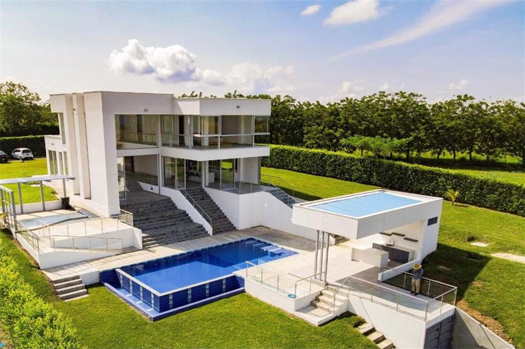 SALIDA 4 VIA LA VIRGINIA CONDOMINIO CAPRI #CASA 2 Property Photo - PEREIRA, OC real estate listing