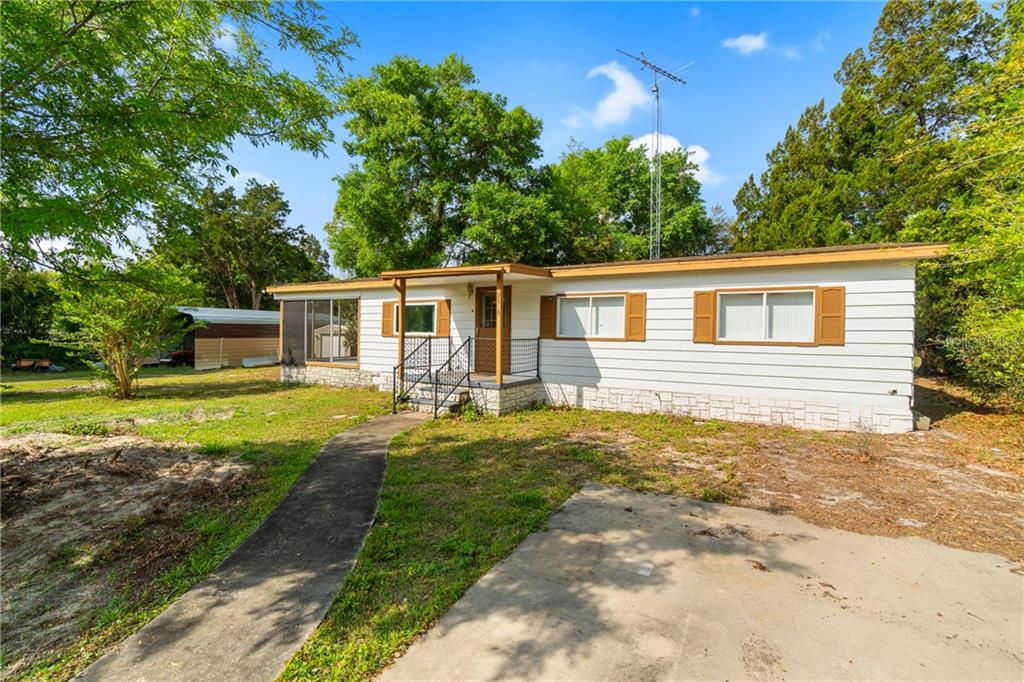2090 SE 178TH AVENUE Property Photo - SILVER SPRINGS, FL real estate listing