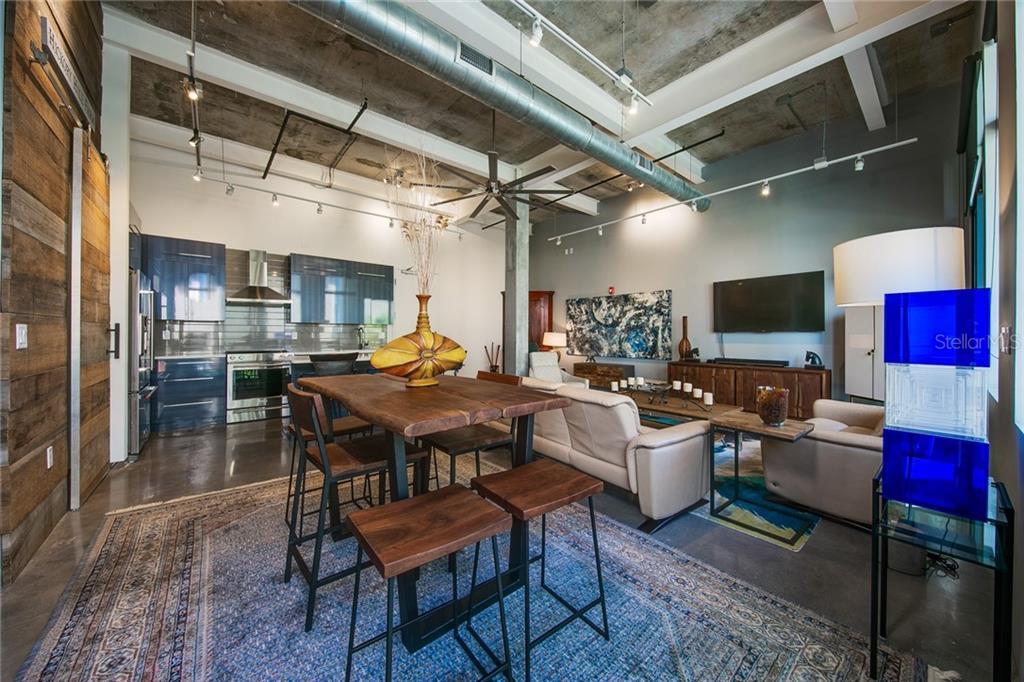302 Se Broadway St #230 Property Photo