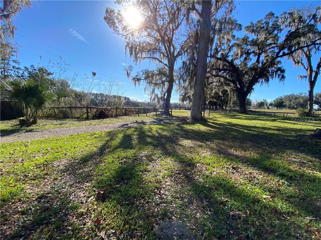 5701 W HWY 316 Property Photo - REDDICK, FL real estate listing