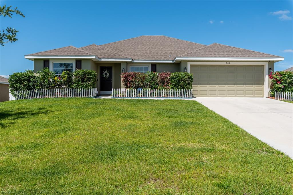 902 CHESTNUT DRIVE Property Photo - FRUITLAND PARK, FL real estate listing