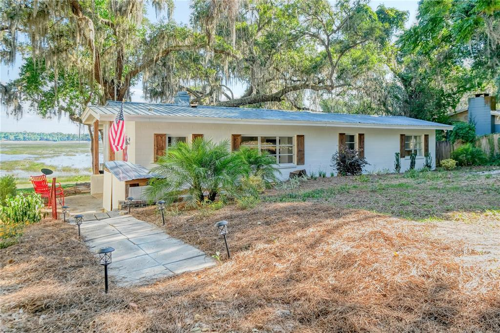 5865 White Sands Road Property Photo
