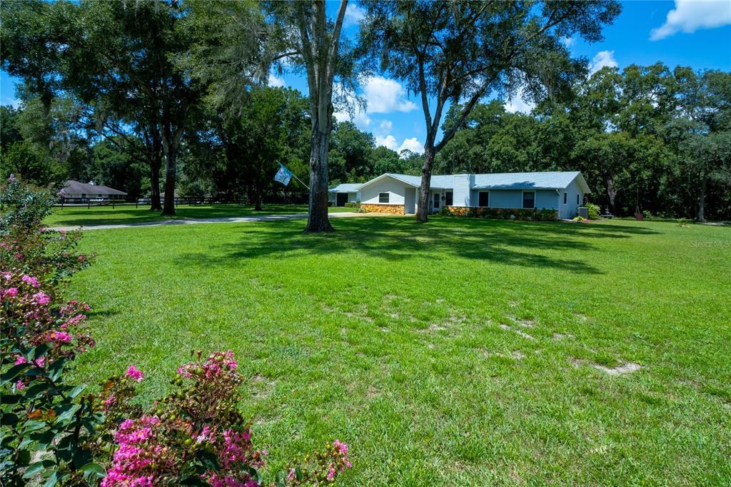 3880 Ne 70th Avenue Property Photo 1