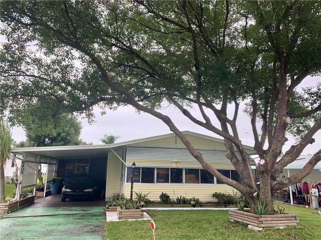6409 Oak Grove Drive Se Property Photo