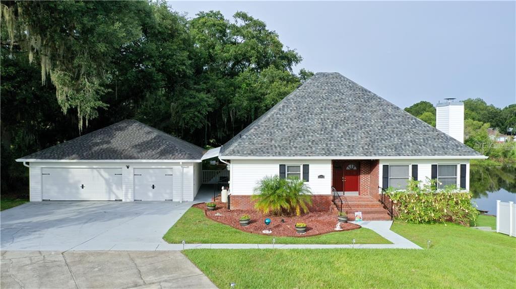 1043 HIDDEN COURT Property Photo - LAKELAND, FL real estate listing