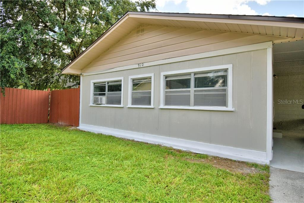 910 N LINCOLN AVENUE Property Photo - LAKELAND, FL real estate listing