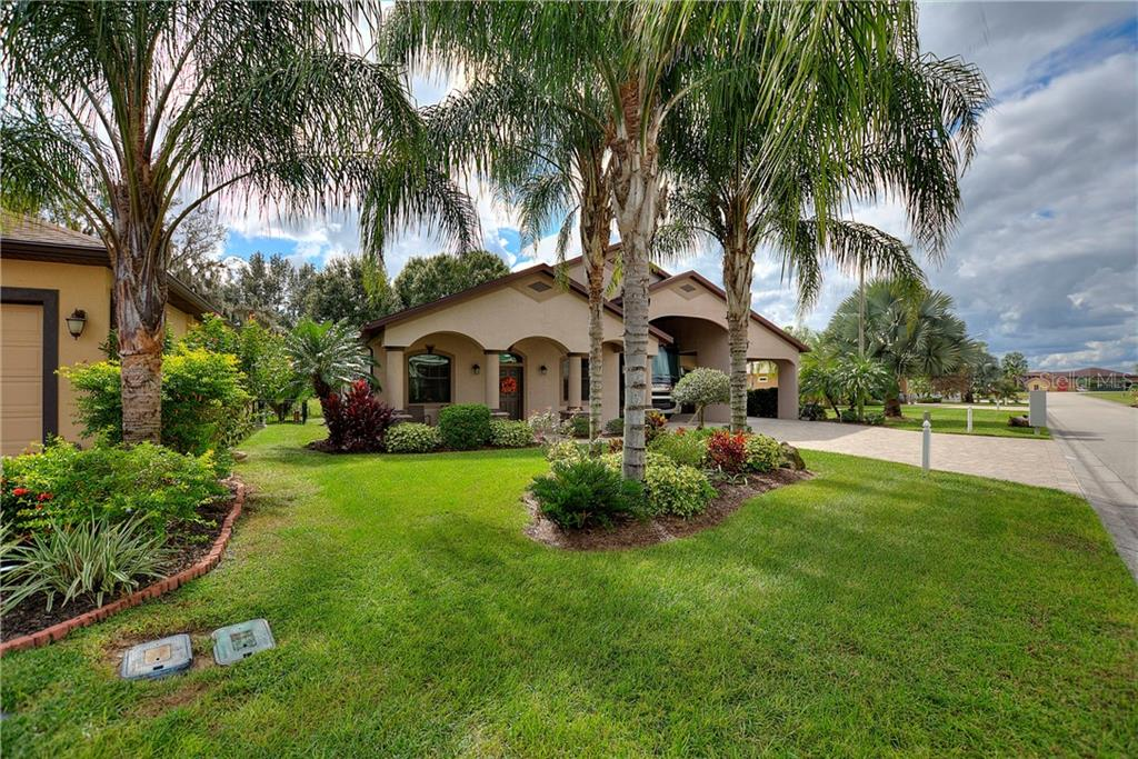 584 MEANDERING WAY Property Photo - POLK CITY, FL real estate listing