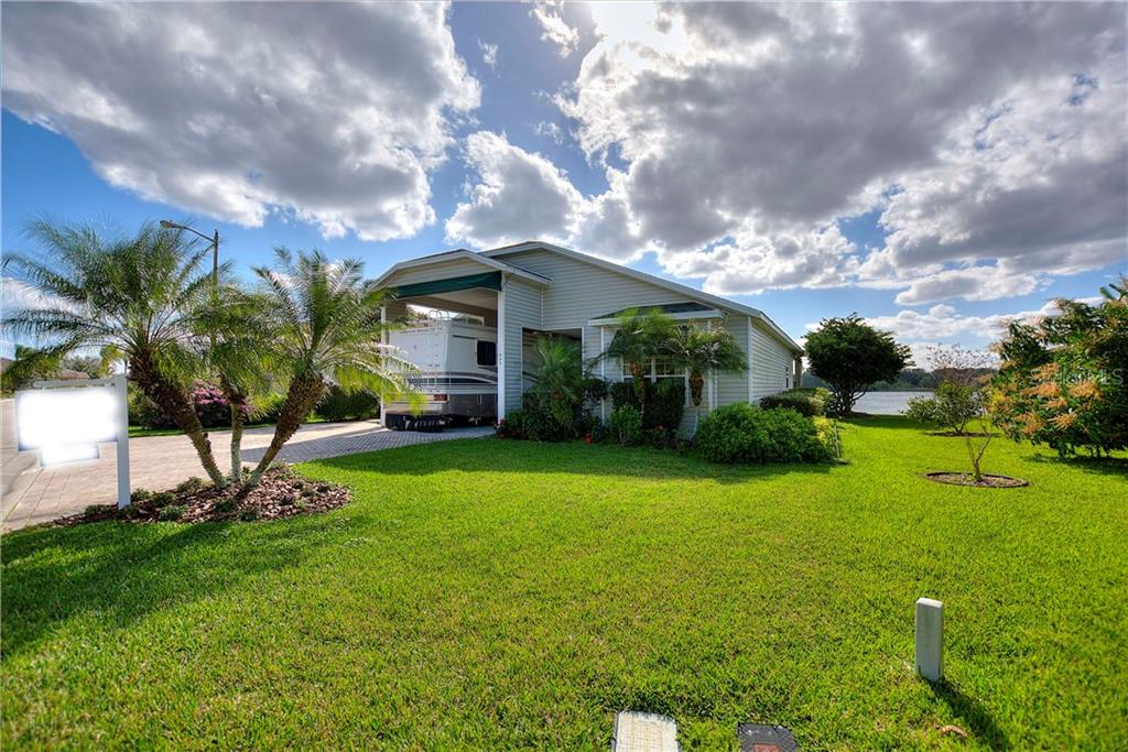 442 MEANDERING WAY Property Photo - POLK CITY, FL real estate listing