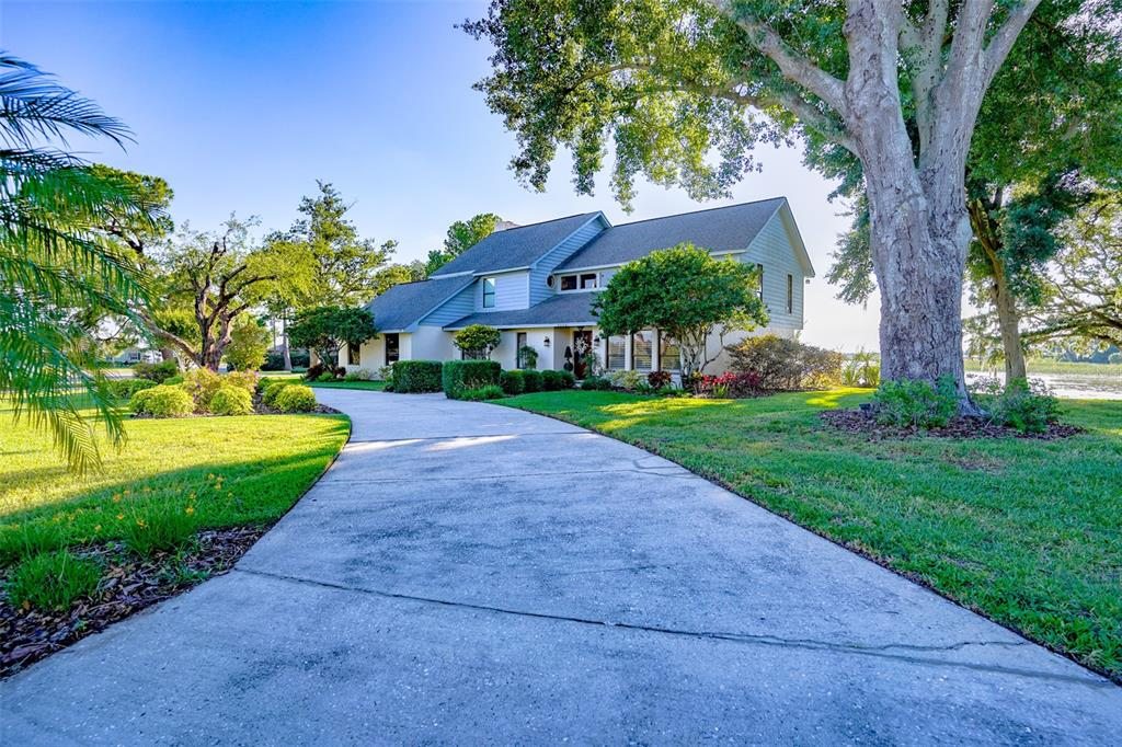 3220 Lake Breeze Drive Property Photo 1