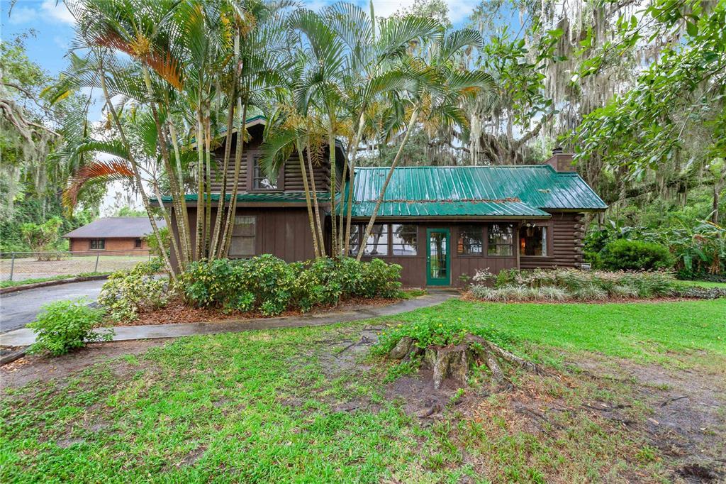 1702 S Lake Reedy Blvd Property Photo