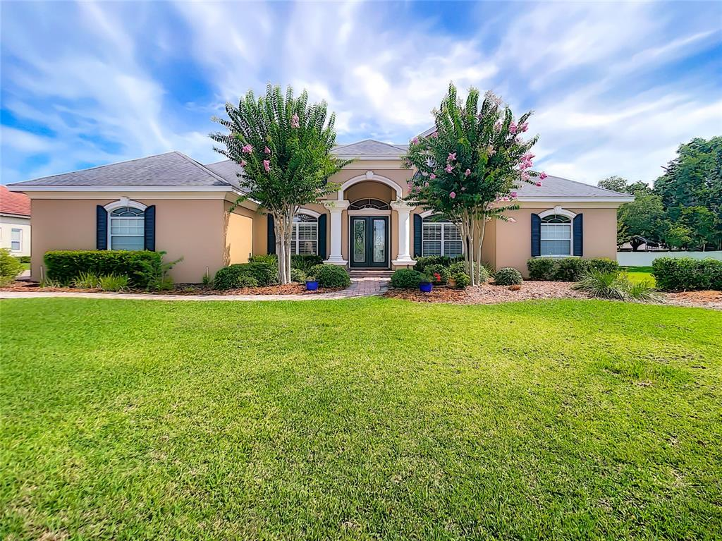 9502 Waterford Oaks Boulevard Property Photo 1