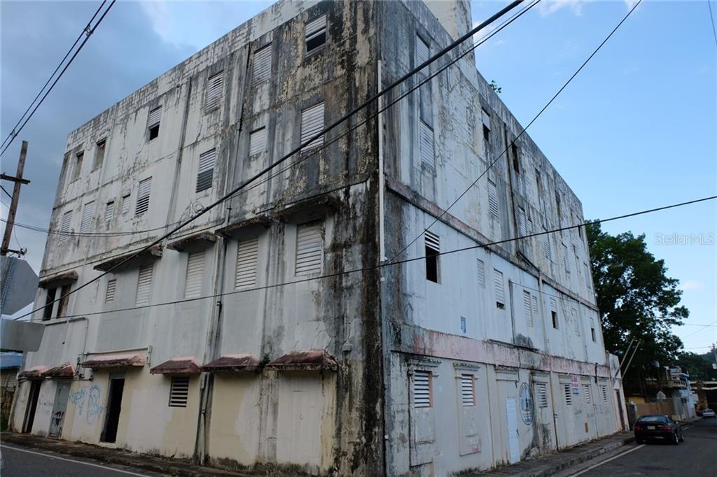 Calle T Betances Property Photo