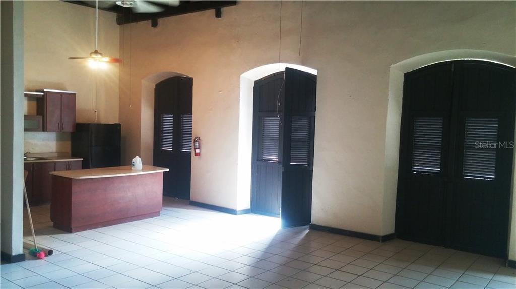 305 Tetauan Property Photo