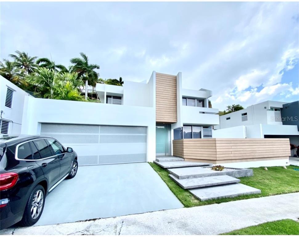 E11 REINA VICTORIA Property Photo - GUAYNABO, PR real estate listing