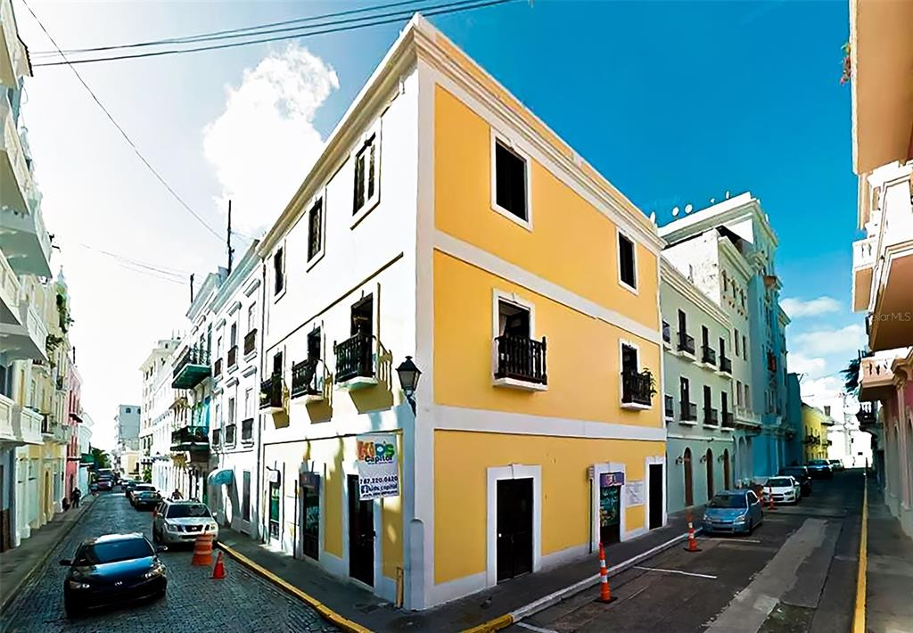 152 Luna St. Property Photo