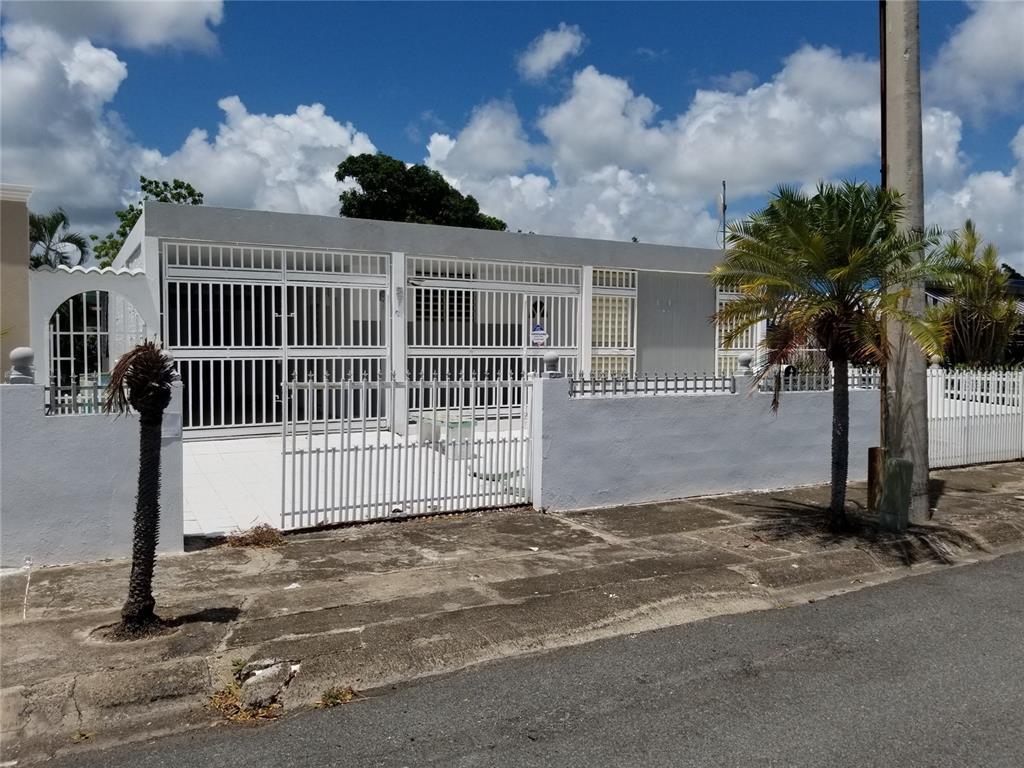 F Calle F ##5 Property Photo