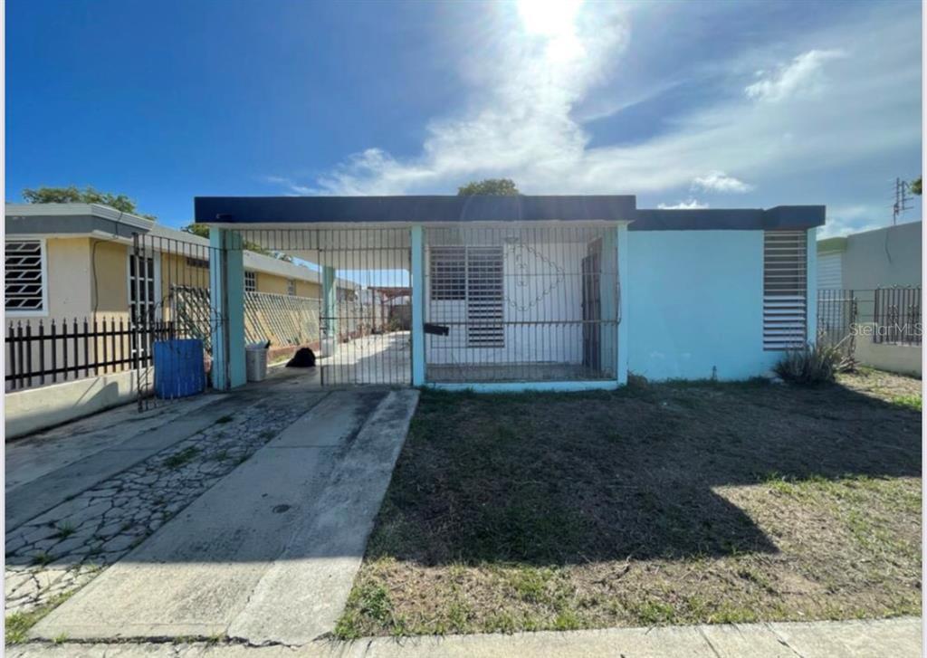 L-19 Calle 9 Property Photo