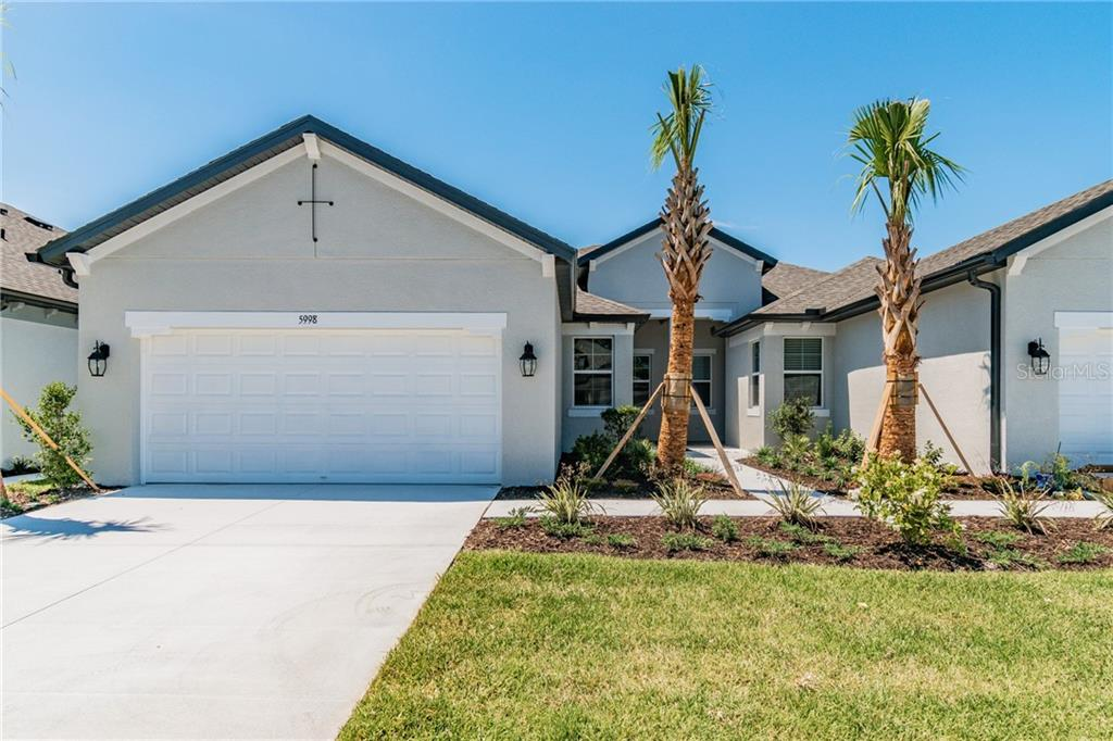 5998 AMBERLY DRIVE Property Photo - BRADENTON, FL real estate listing