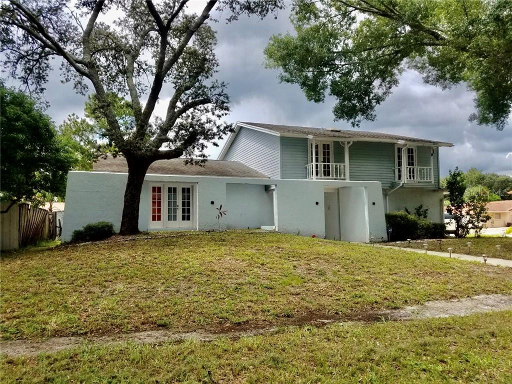 7301 SUNSHINE CIRCLE Property Photo - TAMPA, FL real estate listing