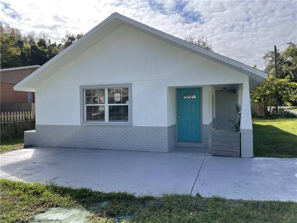 2601 E GENESEE STREET Property Photo