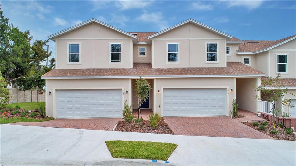 1020 LAKEFRONT VILLAGE DR Property Photo - CLERMONT, FL real estate listing
