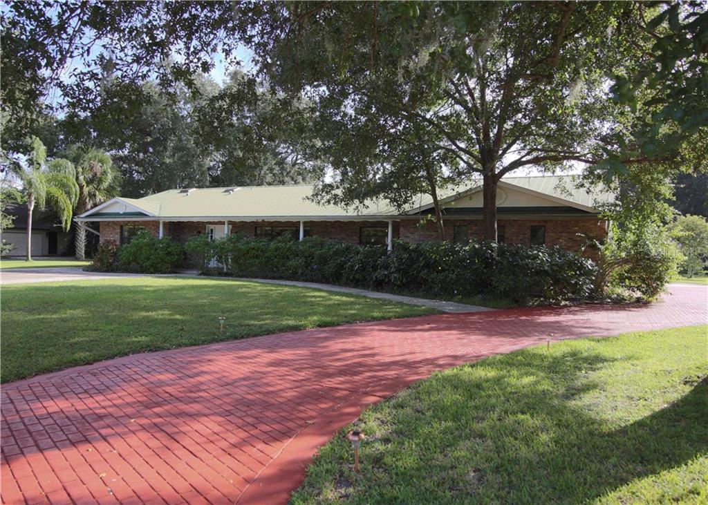 949 Shadow Oaks Road Property Photo