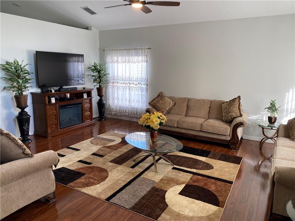 2149 Ribbon Falls Parkway Property Photo 10