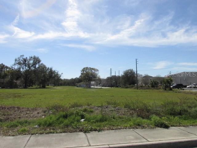 W Lake Street Property Photo