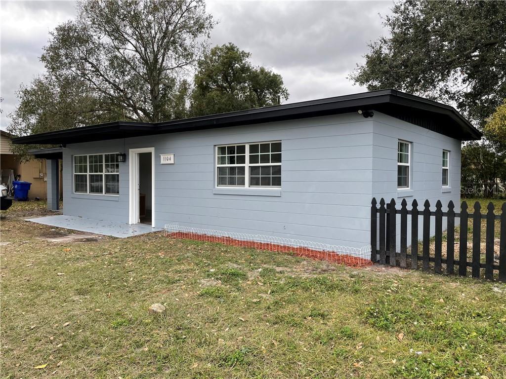1104 N THACKER AVENUE Property Photo - KISSIMMEE, FL real estate listing