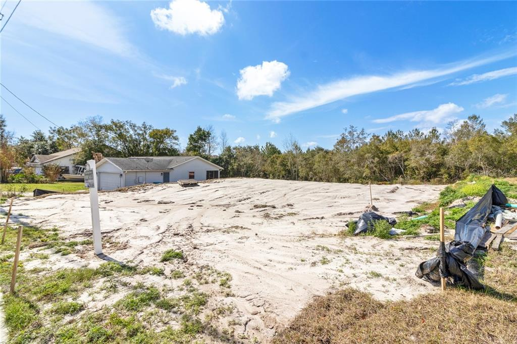 1558 April Avenue Property Photo