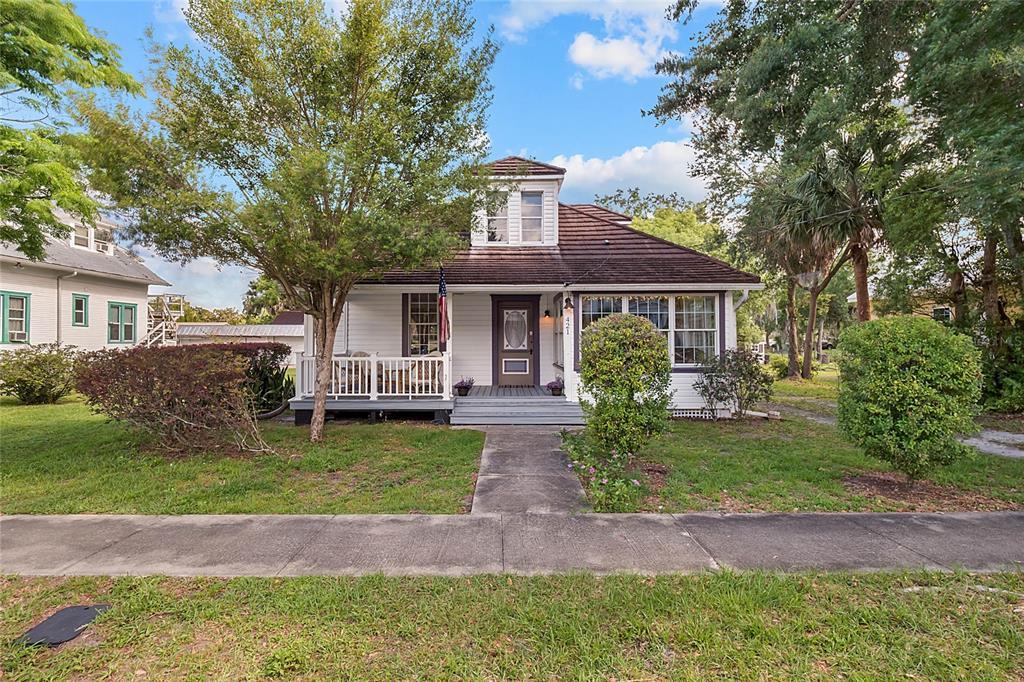 421 Sumner St Property Photo