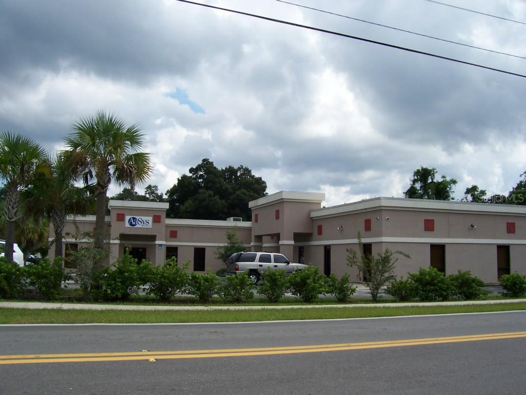 11301 N 301 Highway Property Photo