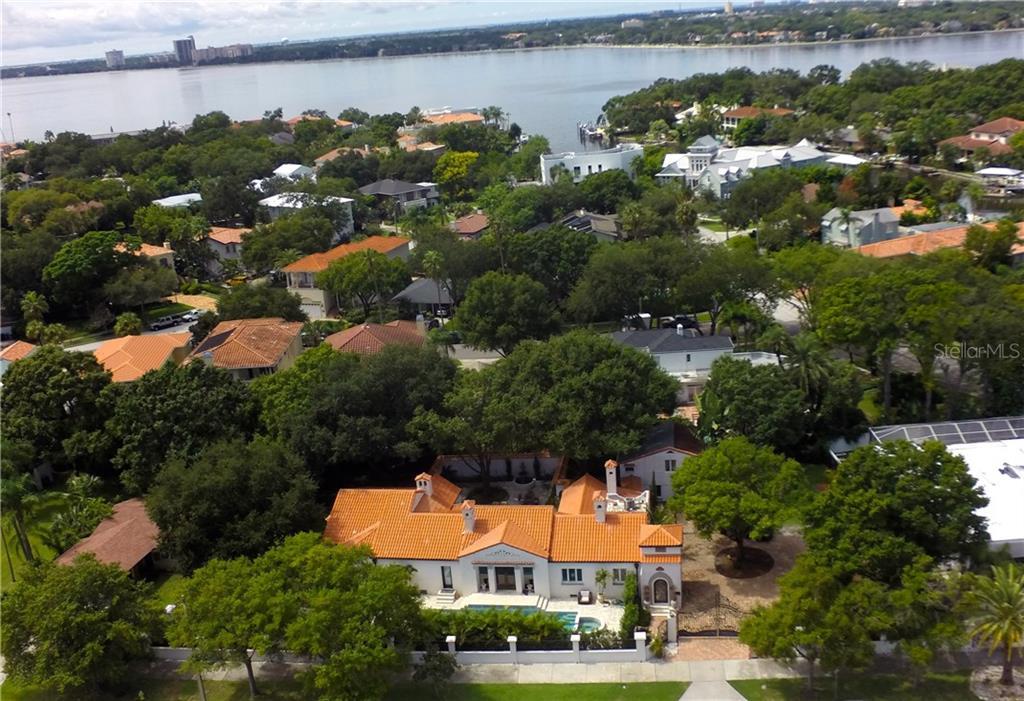 100 W DAVIS BOULEVARD Property Photo - TAMPA, FL real estate listing