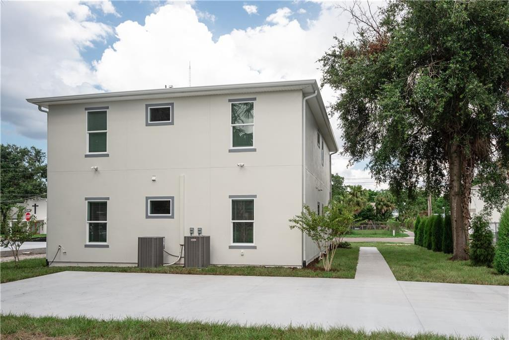 2505 N AVENIDA REPUBLICA DE CUBA Property Photo - TAMPA, FL real estate listing