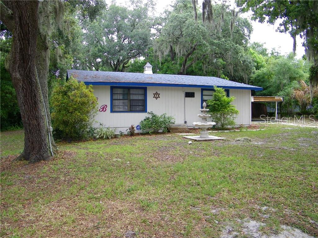 145 W COUNTRY CLUB DR Property Photo - TAMPA, FL real estate listing