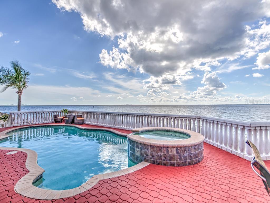1423 JUMANA LOOP Property Photo - APOLLO BEACH, FL real estate listing