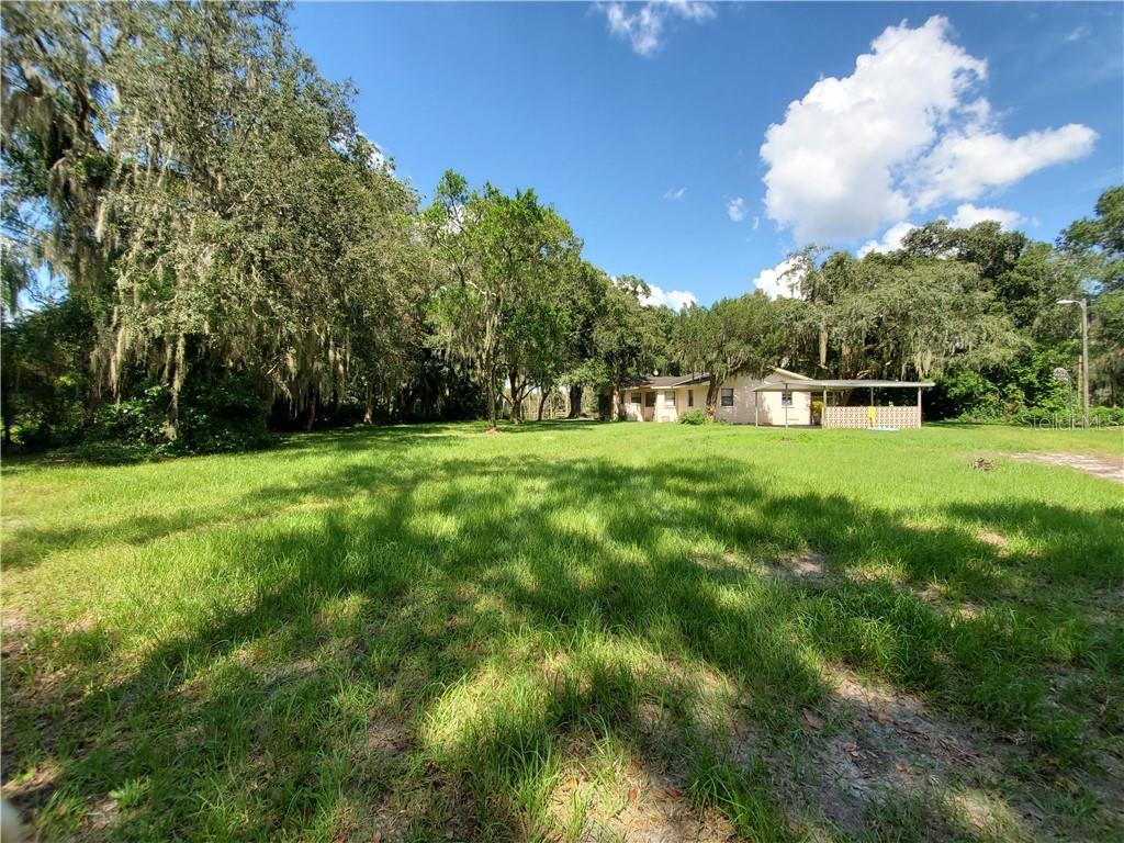 1101 LAKE CHARLES CIR Property Photo - LUTZ, FL real estate listing