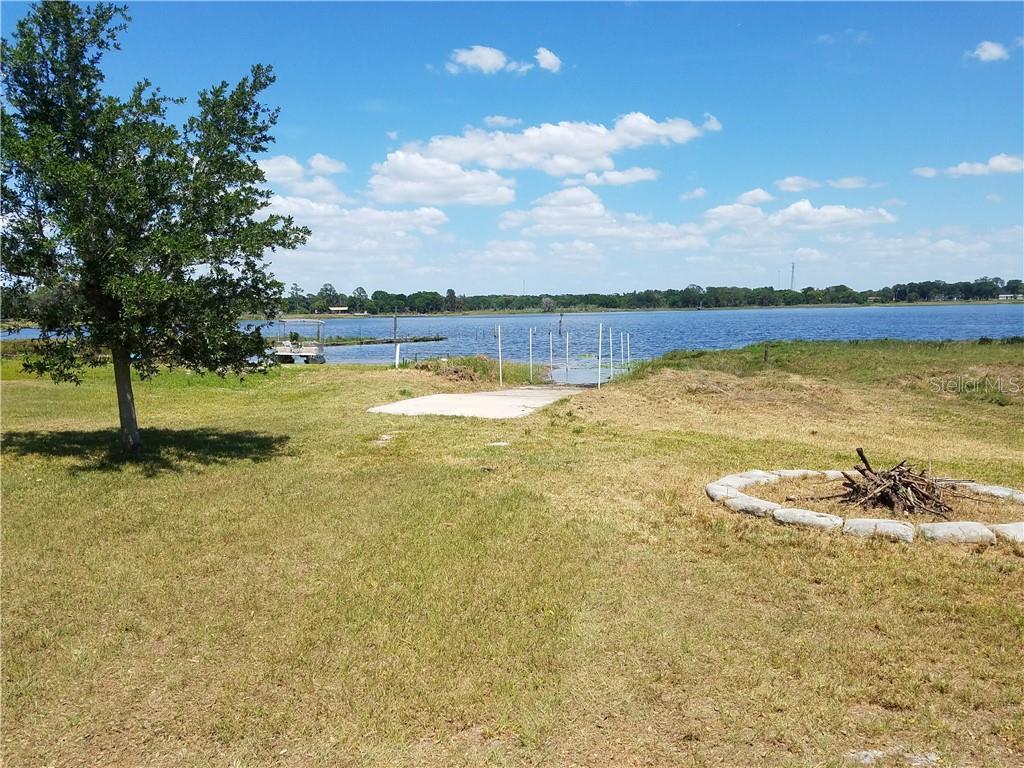 W Lake Dr Property Photo