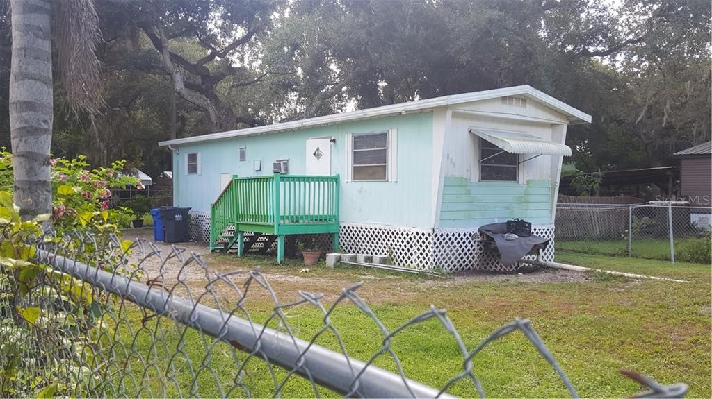 2117 11TH AVE SE Property Photo - RUSKIN, FL real estate listing