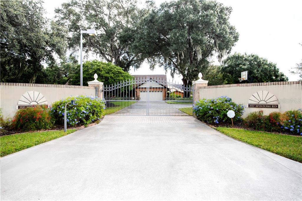 2537 MCINTOSH ROAD Property Photo - DOVER, FL real estate listing