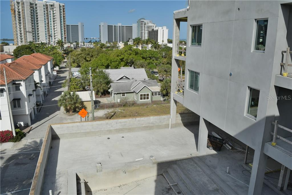 332 COCOANUT AVE #403 Property Photo - SARASOTA, FL real estate listing