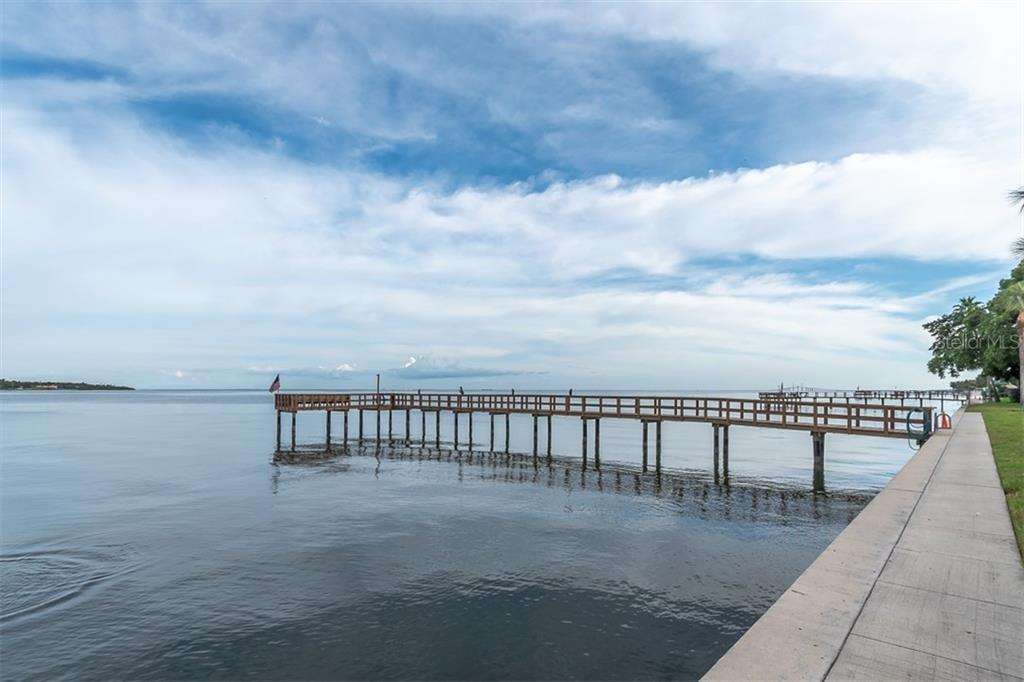 7100 Sunshine Skyway Ln S #307 Property Photo