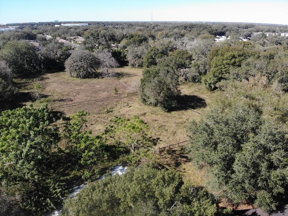 4704 LAKEWOOD DR Property Photo - SEFFNER, FL real estate listing